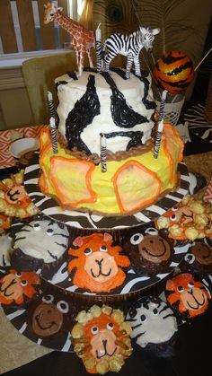 Safari/Jungle themed birthday cake for MacCae's 8th birthday!  So easy and soo fun!