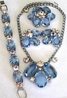 Gorgeous Blue Rhinestone Necklace, Bracelet Pin & Earring Vintage GRAND Set