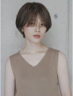 ローバー(ROVER)雰囲気ショート Korean Short Hair, Short Wavy Hair, Girl Short Hair, Hairstyles Haircuts, Cool Hairstyles, Medium Hair Styles, Short Hair Styles, Hair Movie, Ulzzang Hair