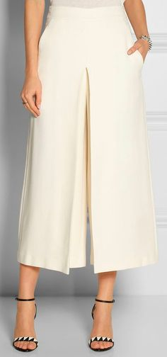 Calling for Culottes Fashion Pants, Hijab Fashion, Fashion Outfits, Womens Fashion, Fashion Trends, Lehenga, Dress To Impress, Casual Wear, Leggings Are Not Pants