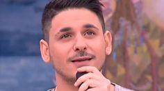 Ο νεαρός pop star ήταν καλεσμένος στην εκπομπή Singers, Greek, Reading, Music, Musica, Musik, Reading Books, Muziek, Music Activities