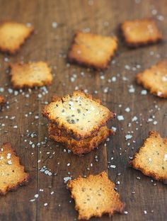 Cheesy Chia Seed Crackers (Gluten-Free & Low Carb) Ingredients: 1 large free-range organic egg 2 tablespoons chia seeds  1 cup / 3.8 oz / 110 gr almond meal/flour  6 tablespoons grated Parmesan cheese ½ teaspoon fine grain sea salt ¼ teaspoon ground black pepper ¼ teaspoon ground cayenne pepper (optional)