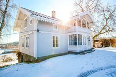 FINN – Vettre/Aspelund - Herskapelig sveitservilla med låve og idyllisk utsikt Real Estate, Mansions, House Styles, Folk, Outdoor, Home Decor, Outdoors, Decoration Home, Manor Houses