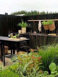 TV GARDEN DESIGN – TV2 2021 Outdoor Rooms, Outdoor Gardens, Outdoor Furniture Sets, Outdoor Decor, Outdoor Kitchens, Scandinavian Garden, Garden Deco, Backyard, Exterior