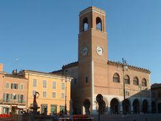 Palazzo del Podestà, Fano (PU) - #visitare #turismo #vacanze #pesaro #urbino Places Ive Been, Building, Beach, Travel, Memories, Google, Tourism, Italia, Earth