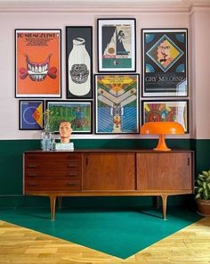 Retro Interior Design, Retro Design, Modern Interior, Retro Bedrooms, 70s Bedroom, Deco Retro, Retro Print, Retro Home Decor, Funky Decor