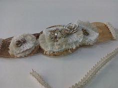 Tocado de novia sobre base dorada troquelada Napkin Rings, Base, Home Decor, Templates, El Dorado, Bridal Headpieces, Grooms, Interior Design, Home Interior Design