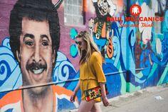 Leggerezza, praticità e multifunzionalità a portata di spalla. In foto la pochette modello Ribella acquistabile sul sito www.paulmeccanico.com