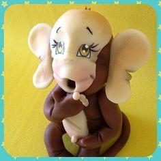 Biscuit: Macaquinho fofo para decoração de fesfa infantil nos temas Arca de Noé ou Safari, ou para decoração de quarto de bebê. #macaco #macaquinbi #biscuit #artesanato #decoração #decoraçãofesta #decoraçãoquartobebê