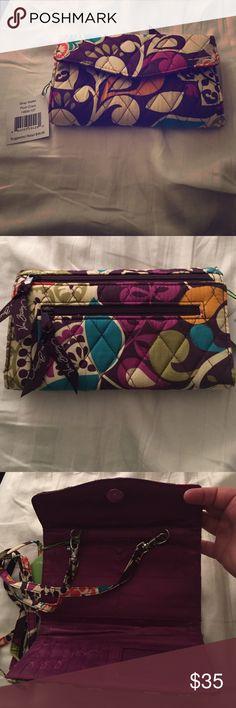 Crossbody/wallet Cute wallet or crossbody purse. Cute colors. Brand new never used. Vera Bradley Bags Crossbody Bags