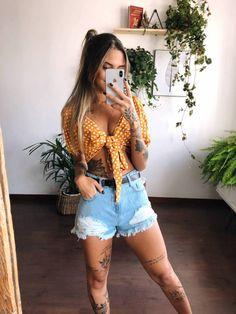 Modest Fashion, Love Fashion, Girl Fashion, Fashion Dresses, Fashion Looks, Womens Fashion, Cropped Hoodie Outfit, Look Con Short, Estilo Hippy