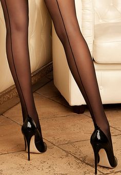 Oh!!! I desperately want a pair of black back-seamed tights/hose...