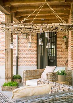 Chandelier made with deadwood Diy Garden Furniture, Interior Garden, Furniture Ideas, Outdoor Furniture, Design Cour, Chelsea Garden, Magic Garden, Outdoor Living, Outdoor Decor