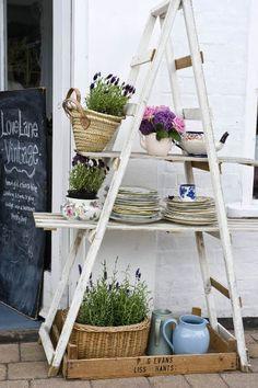 Ideas creativas para decorar con escaleras