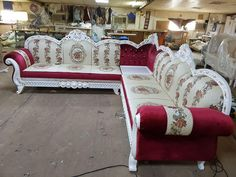 Latest corner sofa designs pictures 2019 in this corner sofa pictures is a very good quality corner sofa designs. Corner Sofa Design, Living Room Sofa Design, Wood Farnichar, Sofa Design Pictures, Royal Chair, Sofa Set Designs, Home Decor Furniture, Armchair, Baby Dresses