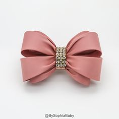 Pale Pink Bow Hair Clip Girls Hair Bow Big Bow by BySophiaBaby Cheetah Hair, Girl Hair Bows, Girls Bows, Toddler Hair Clips, Baby Hair Clips, Wedding Hair Clips, Girl Hairstyles, Wedding Hairstyles, Rhinestone Bow