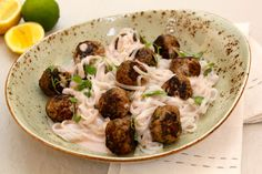 Spicy Meatballs with Coconut Rice Noodles - Make delicious beef recipes easy, for any occasion Home Recipes, Beef Recipes, Cooking Tips, Cooking Recipes, Spicy Meatballs, Coconut Rice, Rice Noodles, Easy Food To Make, Easy Meals