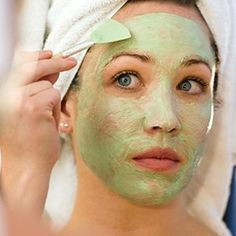 One of the common issues that people tend to think obliterate beauty is oily skin. Fifty out of hundred people suffer from the problem of oily face skin that Oily Face, Mask For Oily Skin, Acne Face Mask, Beauty Tips For Face, Beauty Skin, Beauty Hacks, Hair Beauty, Beauty Care, Banana Facial
