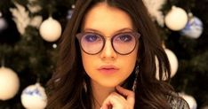 Cleopatra Stratan White Queen, Just The Way, Cleopatra, Lifestyle, Glasses, Modern, Eyewear, Eyeglasses, Trendy Tree