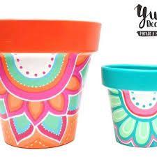 Resultado de imagen para yuki deco Painted Clay Pots, Painted Flower Pots, Flower Pot Crafts, Clay Pot Crafts, Pots D'argile, Diy Y Manualidades, Terracotta Pots, Crafty Craft, Stone Art
