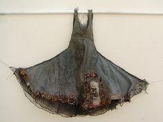 Louise Richardson Installation Art  ---  Okay, this is ART, but a great basic design idea for a bias-cut skirt/dress.