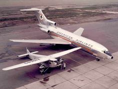 The evolution of the three-engined aircraft: A Ford Trimotor sits alongside a Boeing 727 trijet, 38 years apart. Boeing Planes, Plane Design, Boeing 727, Commercial Aircraft, Aircraft Design, Jet Plane, Fighter Jets, Aviation, Ford