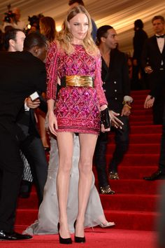 2013 Met Gala - Kate Bosworth looked beautiful in a Balmain mini that was impeccably and intricately embellished.