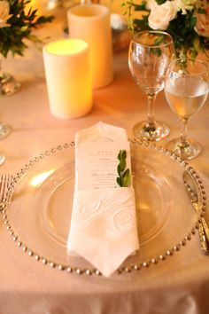 Personalized linen napkins in every place setting.