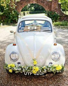 Decoration  florale voiture ancienne mariage Vintage