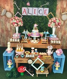 Alice in Wonderland Party: 85 movie-worthy ideas and tutorials, Alice In Wonderland Tea Party Birthday, Alice In Wonderland Theme, Alice In Wonderland Decorations, Alice Tea Party, Winter Wonderland, First Birthday Parties, Birthday Party Themes, First Birthdays, Birthday Party Invitations