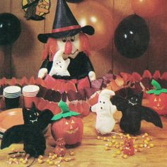 Lots O' Halloween Sewing Crafts! Vintage c. 1980s McCall's Sewing Pattern P926, Holiday Table Accessory Package, Uncut with Factory Folds by karl79 on Etsy