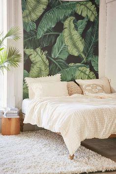 Hojas de platanera como papel pintado para la pared del cabecero #decoracion #interiordesign #papelpintado #hojas #decoracionbotanica #deco