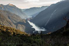 Milford Sound oder doch lieber Doubtful Sound? Hier findet ihr Erfahrungsberichte sowie Empfehlungen und Tipps für Touren zu beiden Sounds! Mountains, Nature, Travel, Middle Earth, New Zealand, Tours, Viajes, Tips, Naturaleza