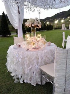 Curly Willow Table Skirts Ruffled Table Skirt Cake by DinDinDecor (Cake Table) Reception Decorations, Wedding Centerpieces, Wedding Table, Wedding Ceremony, Our Wedding, Dream Wedding, Event Decor, Wedding Gifts, Cake Table Decorations