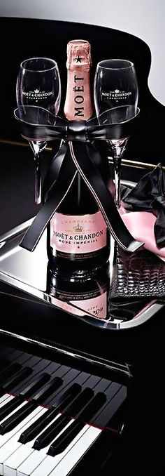 LUXURY BRANDS | Champagne...Let's Celebrate! moet Chandon | www.bocadolobo.com