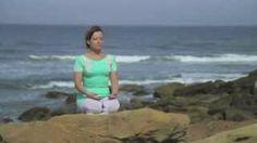 Respiração guiada. Veja a forma pura e autêntica de yoga. Kapalbhati é uma poderosa técnica de respiração que ajuda na perda de peso e equilibra todo o seu sistema. Aprenda o Kapalbhati com Barbara Bendel, uma instrutora de Sri Sri Yoga de Portugal. #Meditar - http://www.artofliving.org/br-pt