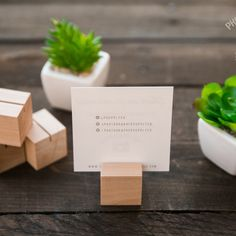 Wood/Wooden Photo Holders Great for Weddings Table Cards Recipe Card Holders, Place Card Holders, Card Table Wedding, Wedding Party Favors, Home Crafts, Fun Crafts, Photographer Packaging, Modern Wedding Reception, Cube Table