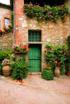 A pretty little house in Tuscany, Italy | photo by John Galbo ᘡղbᘠ