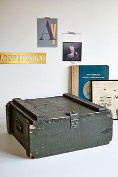 Grøn militærkasse - 300kr. Køb den på www.loppedesign.dk