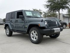 2014 Jeep Wrangler Unlimited Sahara 4x4 - Anvil Clear Coat