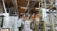 Lohjan tehtaallamme on seisakki ja nyt on hyvää aikaa siivota lattiasta kattoon kaikki! :)