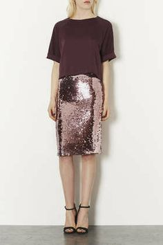 Discover the latest in women's fashion and new season trends at Topshop. Shop must-have dresses, coats, shoes and more. Sequin Pencil Skirt, Sequins And Stripes, Topshop Style, Gold Skirt, Pink Sequin, Modest Dresses, Pretty Outfits, Ideias Fashion, Autumn Fashion