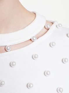 Adam Selman Jersey Pearl Top - collar / neck binding attached with pearls Neck Designs For Suits, Dress Neck Designs, Designs For Dresses, Sleeve Designs, Neckline Designs, Couture Details, Fashion Details, Diy Fashion, Fashion Design