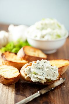 This roasted garlic and dill ricotta spread makes for the perfect crostini recipe! Spread on the creamy cheese and it's such a satisfying appetizer!