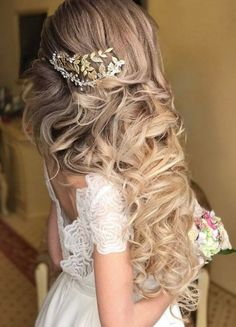 Long Wedding Hairstyles from Elstile / http://www.himisspuff.com/long-wedding-hairstyles-from-elstile/5/