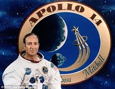 Former NASA astronaut Edgar Mitchell has died, 45 years to the day since he became the sixth man ever to set foot on the moon. Mitchell piloted the lunar module during the 1971 Apollo 14 mission. Les Aliens, Aliens And Ufos, Ancient Aliens, Mars Mission, Edgar Mitchell, Alien Facts, Ufos Are Real, Nasa Curiosity Rover, Pseudo Science