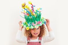Get Springy with this spectacular Easter bonnet and use pipe cleaners to send these tiny critters sky high! There is a huge selection of Easter toppers to chose from to decorate your bonnets to the max. A great value craft for all the family. Easy Easter Crafts, Valentine Crafts, Easter Projects, Diy Crafts, Easter Ideas, Easter Hat Parade, Boyfriend Crafts, Diy Ostern, Easter Traditions