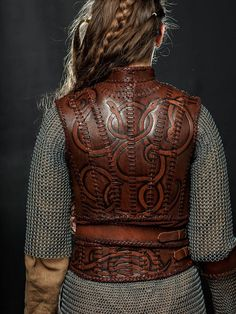 Lagertha Leather Armor viking women breastplate LARP and Larp, Viking Armor, Viking Dress, Fantasy Armor, Medieval Fantasy, Medieval Gown, Fantasy City, Cosplay Armor, Cosplay Costumes