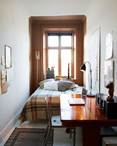 Bedroom and work area in one - clever use of small space || @pattonmelo