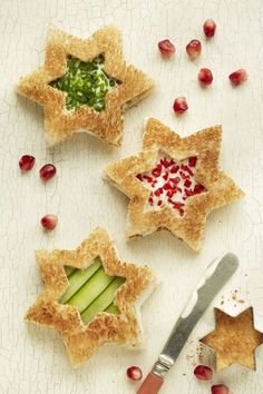 Christmas Star Sandwiches: Show off these red and green, mini star-shaped sandwiches to bring all the Christmas spirit to your party. Find more easy and make ahead Christmas appetizers recipes and ideas that are perfect Christmas dinner and parties here.